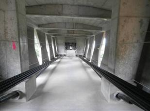 世界初のバタフライウェブ橋、寺...