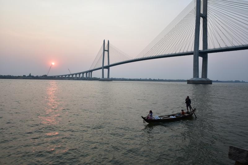 つばさ橋(ネアックルン橋) | 橋梁・PC構造物 | 施工実績 | 三井住友建設
